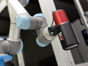 IVS brings vision to Universal 'Cobots'
